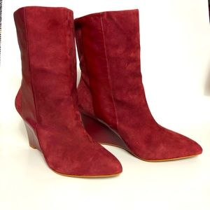 Zara Woman red suede booties 38